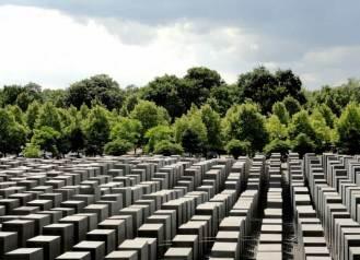 yoldasin-berlin-holokost-anit